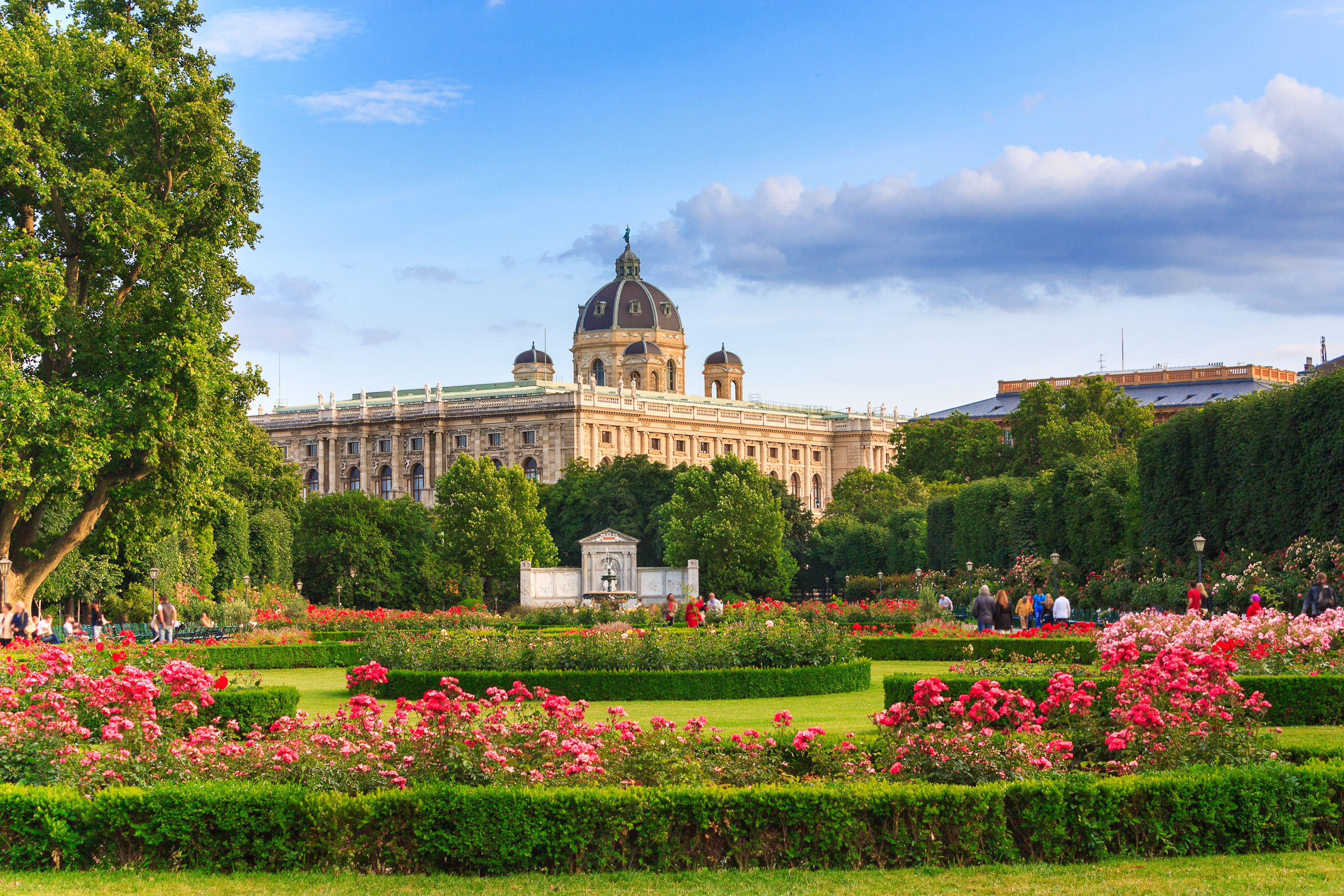 5 Best Cities to Travel in Europe for Spring