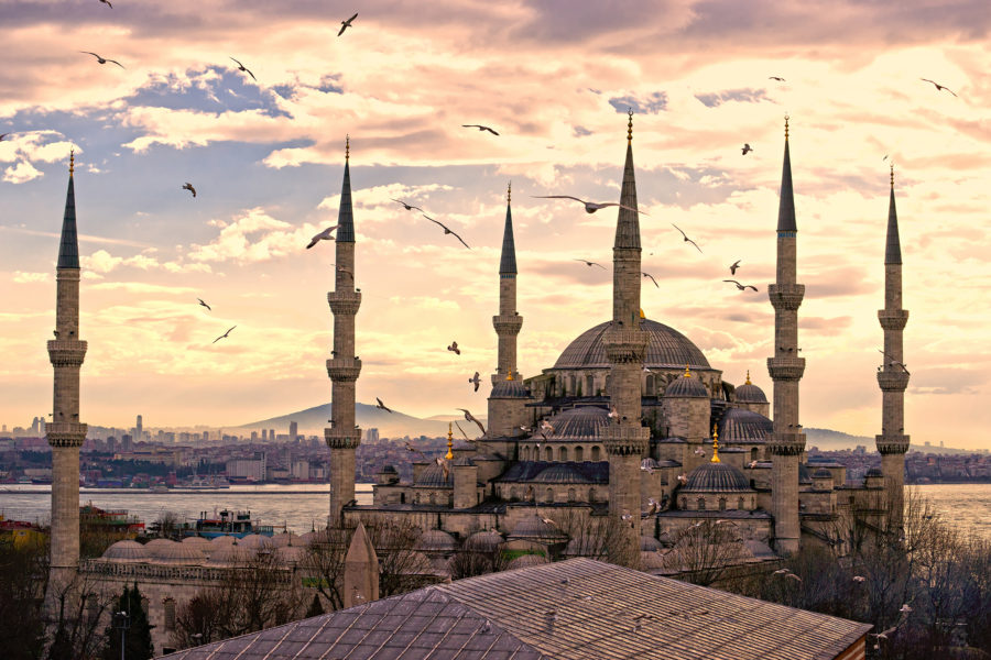 Planning a Package Trip to Turkey? Make Sure You Include These 6 Turkish Delights