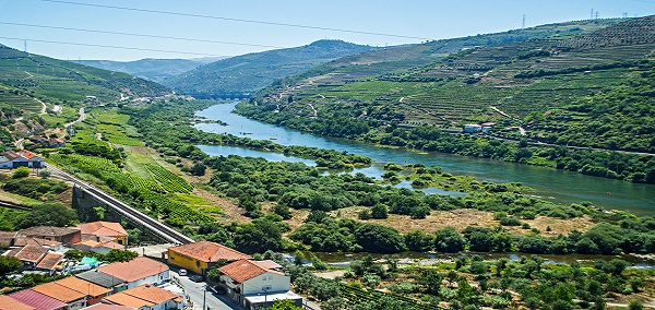 Enchanting Douro Valley and Spain